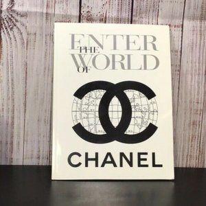 Vintage ENTER THE WORLD OF CHANEL 1996 Mini folder
